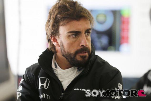 Fernando Alonso en Shanghai - LaF1.es