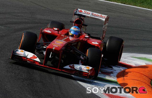 Fernando Alonso en su F138 durante el Gran Premio de Italia - LaF1
