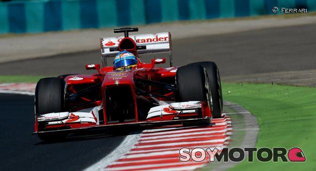 Fernando Alonso con el Ferrari en el GP de Hungría F1 2013