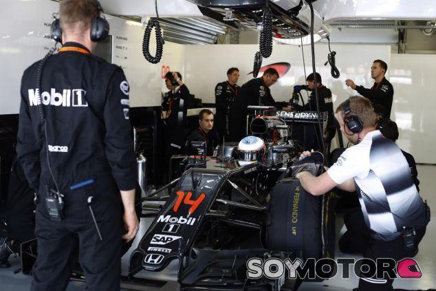 Fernando Alonso sigue recibiendo elogios pese a no ganar carreras - LaF1