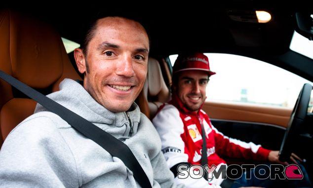 Purito Rodríguez como copiloto de Fernando Alonso - LaF1