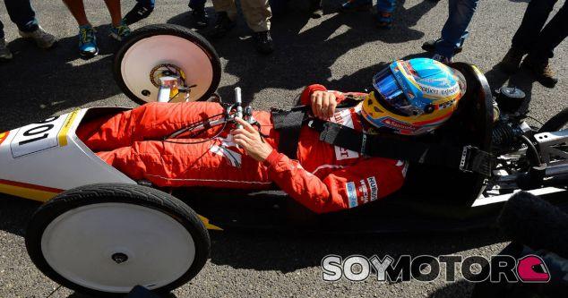 Alonso insta a juzgar a Verstappen por su talento y no por su edad - LaF1.es