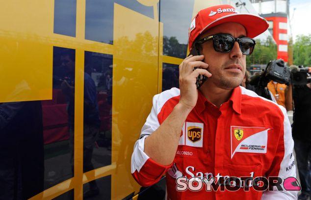 Fernando Alonso en el paddock de Suzuka - LaF1