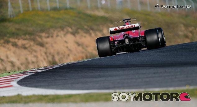 Ferrari en los test de Barcelona - SoyMotor
