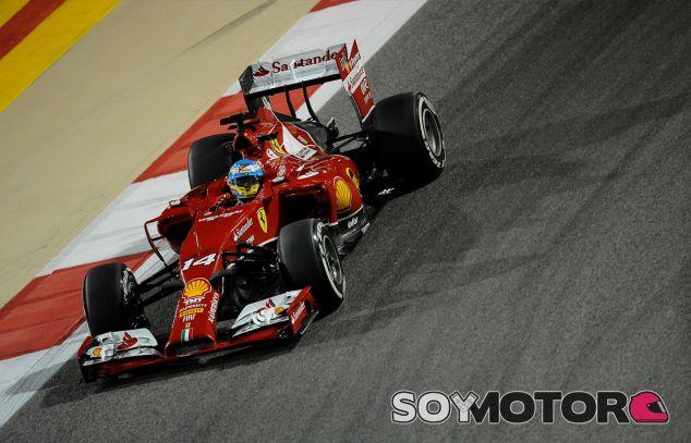 Fernando Alonso y su F14 T en Baréin - LaF1