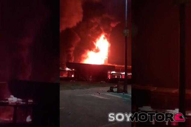 Fotograma del vídeo del incendio, difundido a través de YouTube - SoyMotor