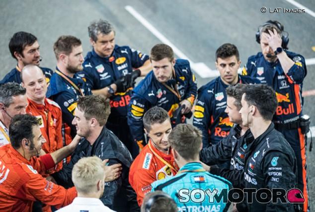 Los tres primeros equipos esperan reubicar al personal de F1 despedido - SoyMotor.com