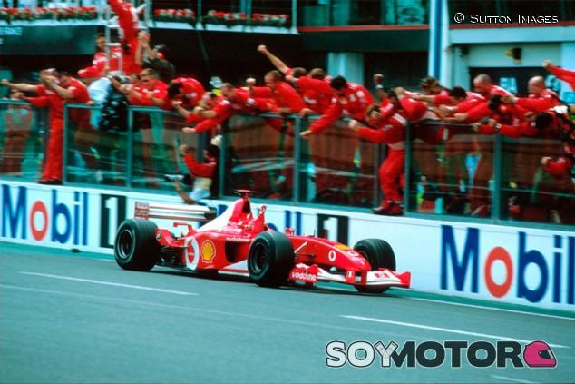 El Ferrari F2002 de Schumacher, vendido por más de cinco millones de euros - SoyMotor.com