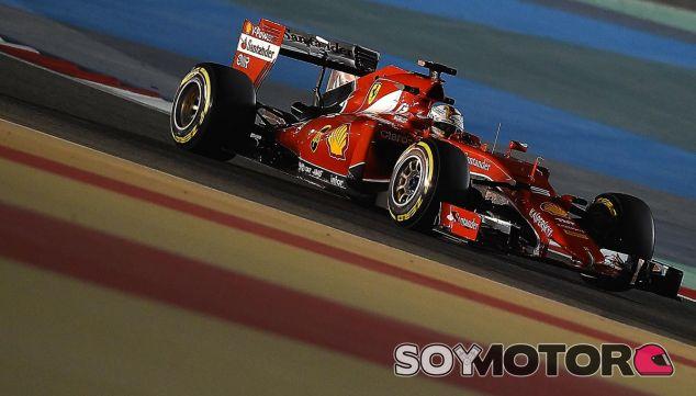 Sebastian Vettel en la noche de Baréin - LaF1