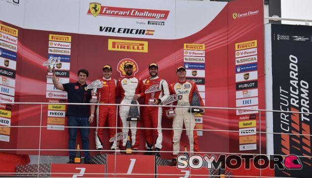 Podio Ferrari Challenge - SoyMotor.com