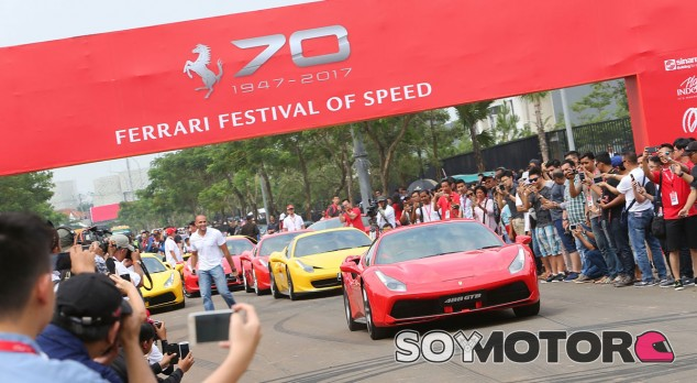 Ferrari celebra su 70 aniversario con un tour por España - SoyMotor.com