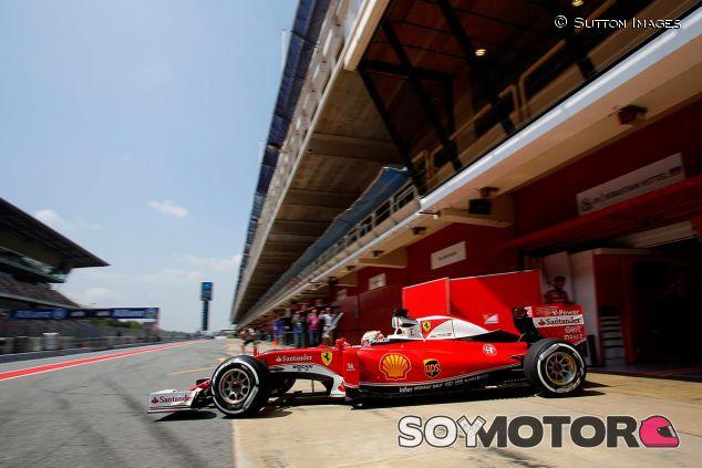 Sebastian Vettel y su Ferrari en la pretemporada 2016 - SoyMotor