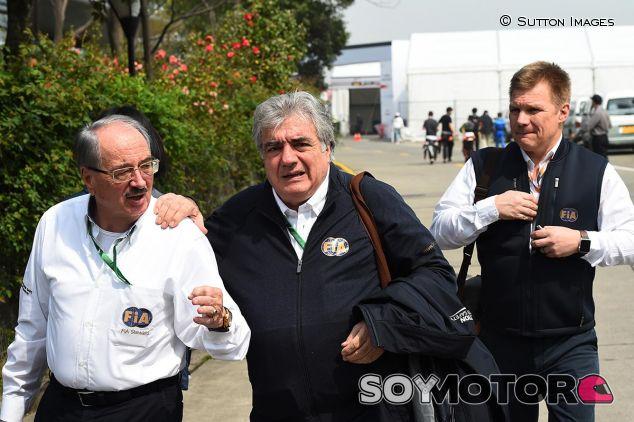 Paul Gutjahr, Enzo Spano y Mika Salo, tres de los cuatro comisarios de China - SoyMotor