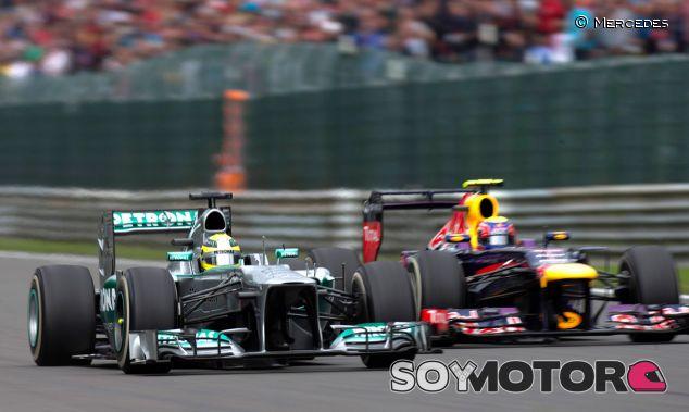 Nico Rosberg y Mark Webber en paralelo en las rectas de Spa-Francorchamps - LaF1