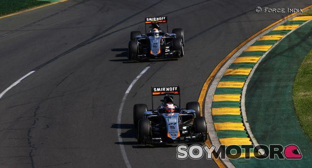Sergio Pérez y Nico Hulkenberg rodando en Albert Park - LaF1.es
