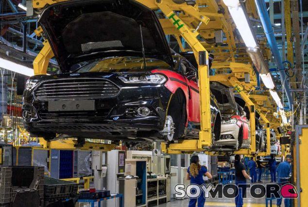 Ford planea parones de producción para la planta de Almussafes - SoyMotor.com
