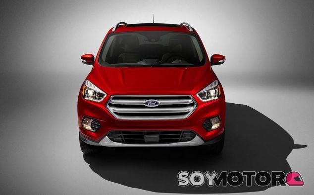 El Ford Escape y el Ford Kuga son modelos casi idénticos fruto de la estrategia global de la marca - SoyMotor