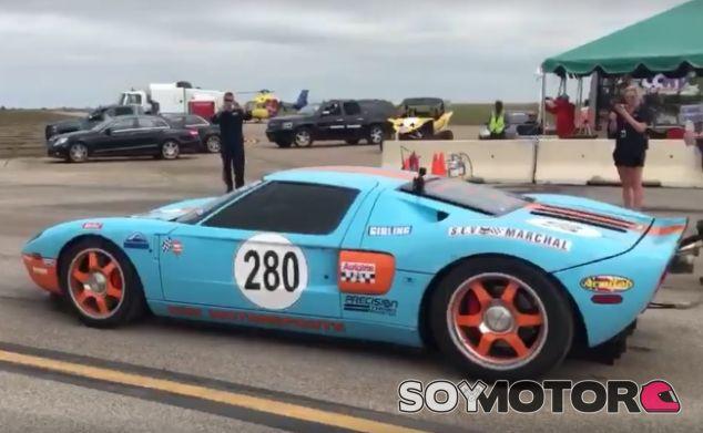 Un Ford GT preparado alcanza 472,5 kilómetros/hora en 1.600 metros - SoyMotor.com
