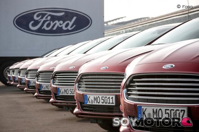 Ford llama a revisión 322.000 coches europeos por un fallo en la batería