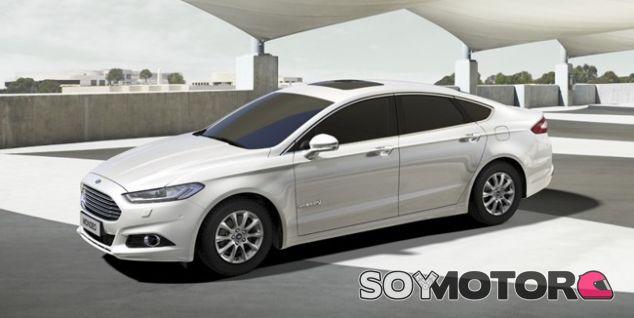 El Ayuntamiento de Valencia recibe un regalo híbrido de parte de Ford - SoyMotor.com
