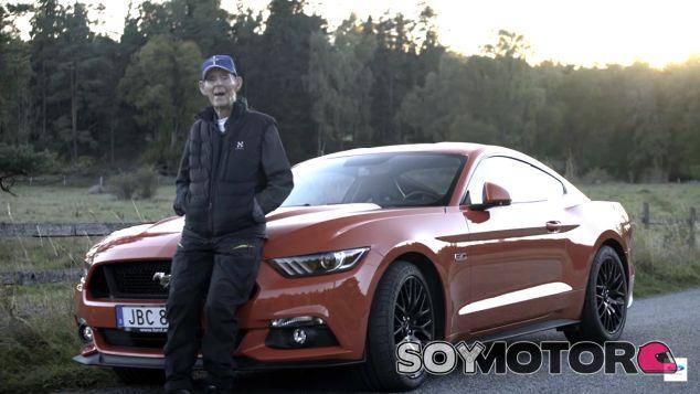 Lennart Ribring con su nuevo Ford Mustang - SoyMotor.com
