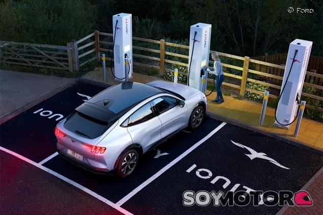 El nuevo Ford Mustang Mach-E eléctrico - SoyMotor.com