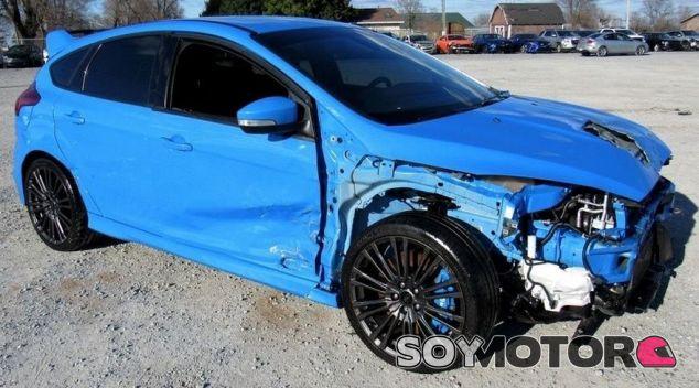 Ford Focus RS siniestrado - SoyMotor.com