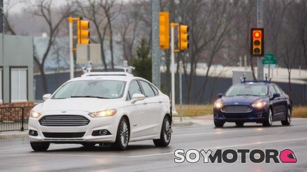Ford Fusion Hybrid Autónomo - SoyMotor