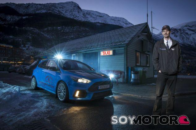Evald y su Ford Focus RS taxi - SoyMotor.com