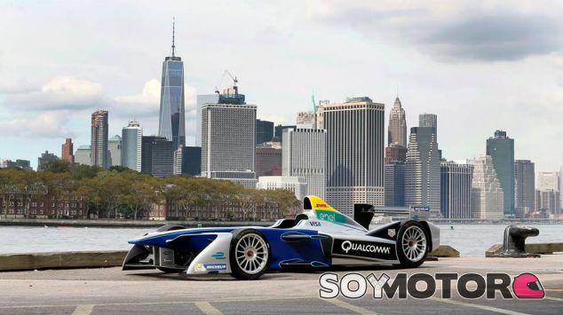 Coche de la Fórmula E durante la presentación de su carrera en Nueva York - LaF1