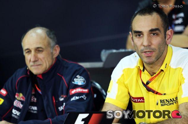 Franz Tost y Cyril Abiteboul en rueda de prensa - LaF1.es
