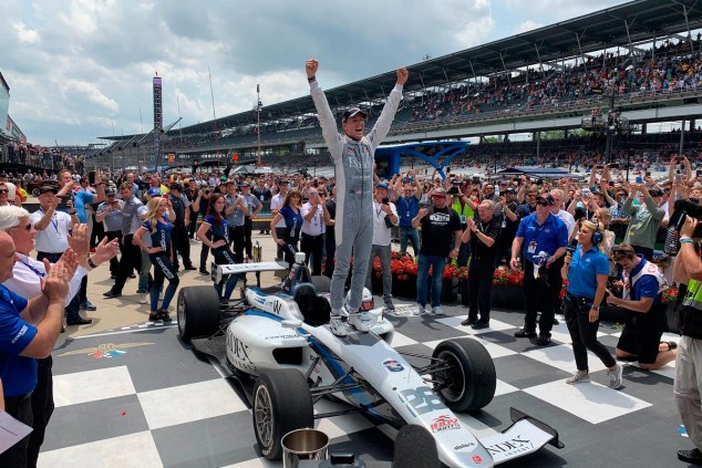 Oliver Askew celebra su victoria en Indianápolis - SoyMotor