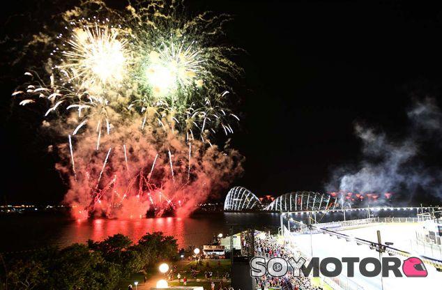 Fuegos artificiales en Marina Bay - SoyMotor.com