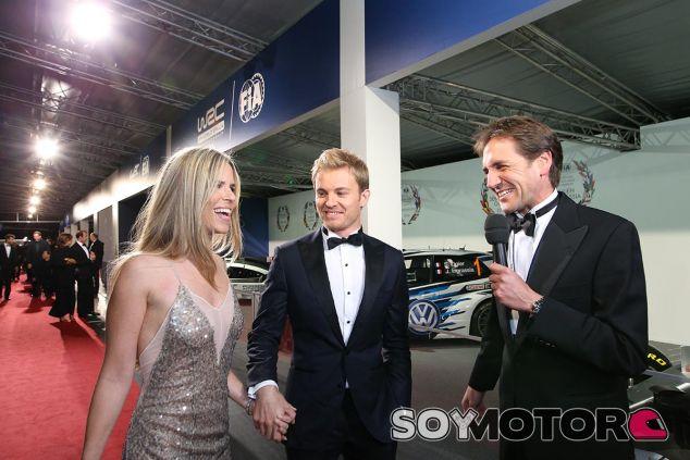 Nico Rosberg y su esposa Vivian en la gala de la FIA - LaF1