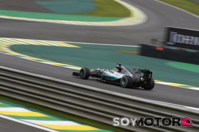 La última confrontación estratégica entre Hamilton y Mercedes sucedió en Brasil - LaF1