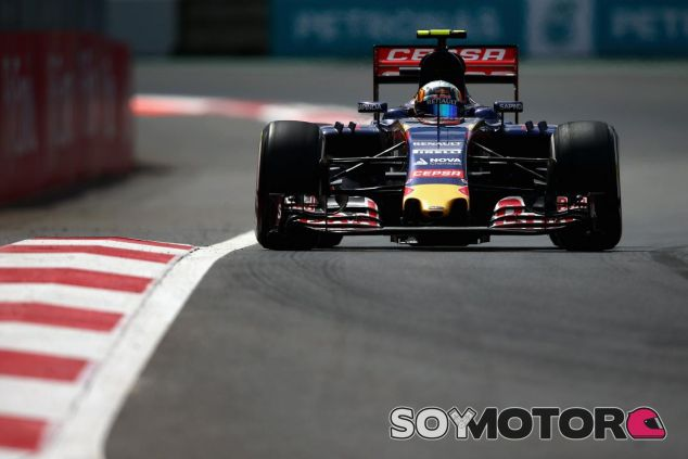 A Sainz le reconforta haber estado cerca de Verstappen cuando su STR10 se lo permitía - LaF1