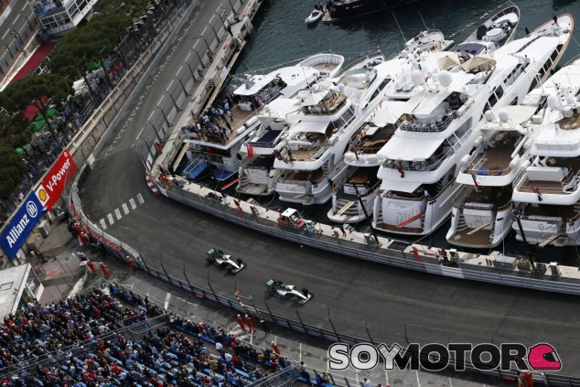 Los dos Merceds en Mónaco - LaF1.es