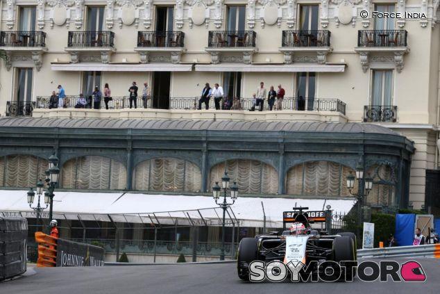 Nico Hulkenberg rodando con el VJM08 en Mónaco - LaF1.es