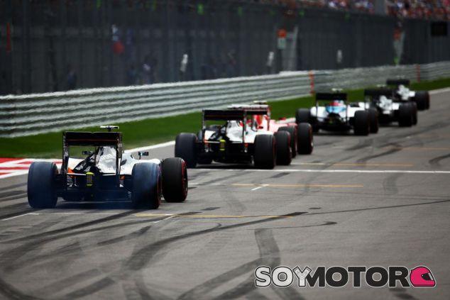Mansell opina que la Fórmula 1 debe cambiar para mejorar el espectáculo - LaF1