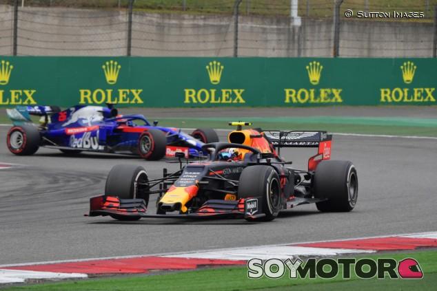 """Red Bull cree que Gasly ha dado """"un paso adelante"""" en China - SoyMotor.com"""