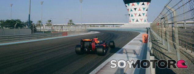 Gasly, durante unos test de Pirelli con Red Bull - LaF1