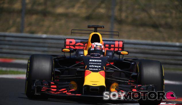 Pierre Gasly durante el test post-GP en Hungría - SoyMotor