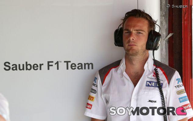 Giedo Van der Garde en el box de Sauber - LaF1.es