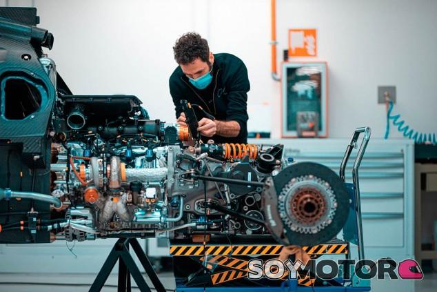 Glickenhaus arranca el motor de su SCG 007 LMH de Le Mans - SoyMotor.com