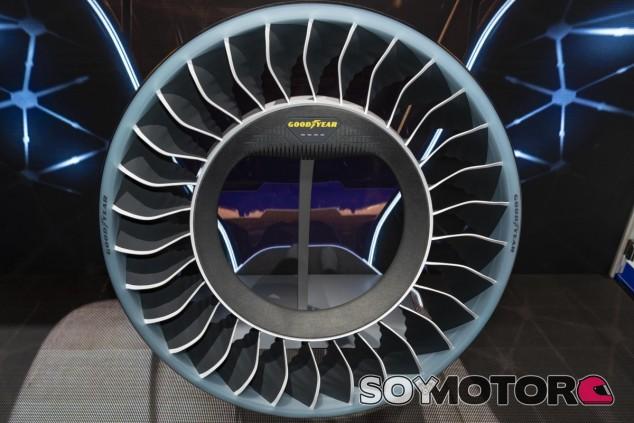 El AERO es el neumático que permitirá propulsar a los coches autónomos del futuro así como servir de neumático convencional - SoyMotor.com