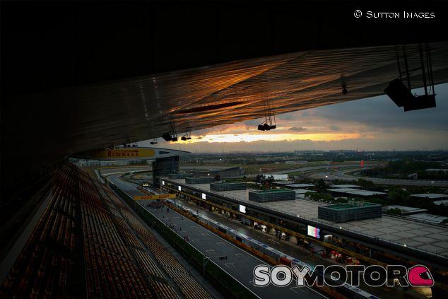 Atardecer en el circuito de Shanghái - SoyMotor.com