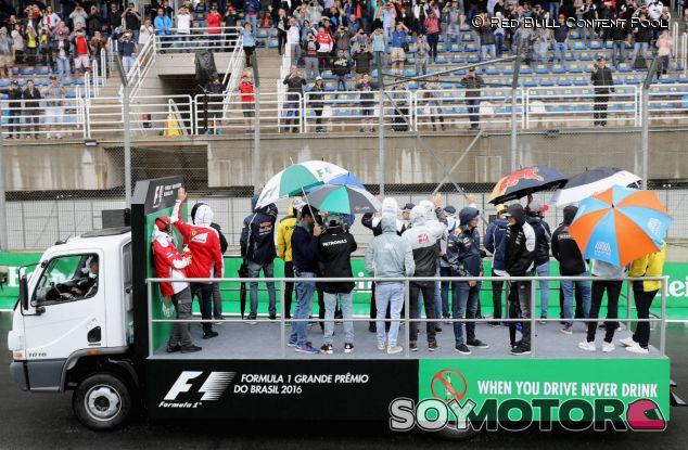 Drivers parade en el GP de Brasil 2016 - LaF1