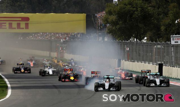 Primeros metros de la carrera en el GP de México - LaF1