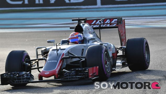 Grosjean durante el GP de Abu Dabi - SoyMotor