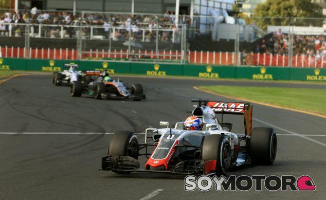 Grosjean durante la primera carrera de Haas en el Gran Circo - SoyMotor
